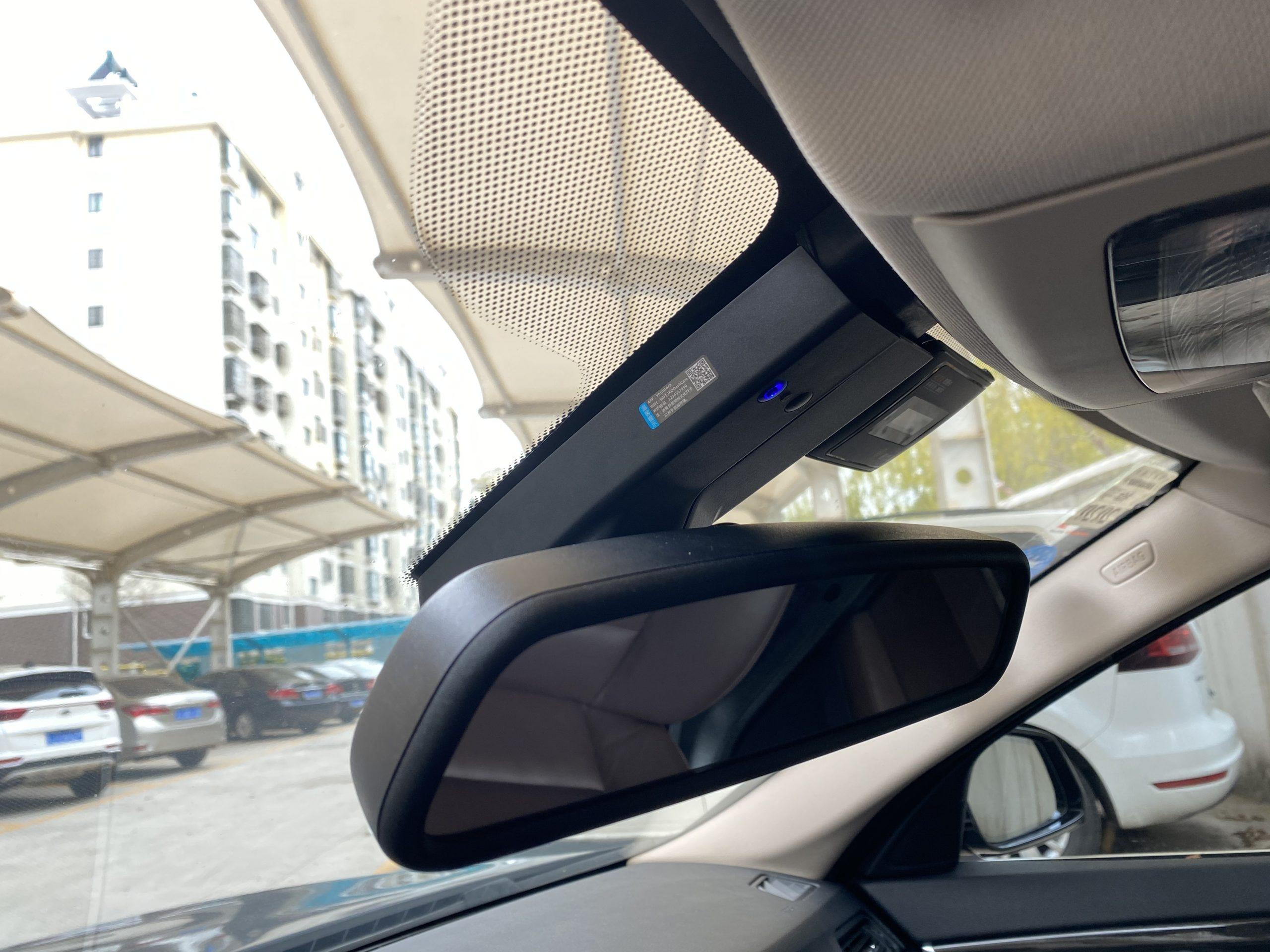 专车专用隐藏式行车记录仪使用体验对比——以宝马F18为例